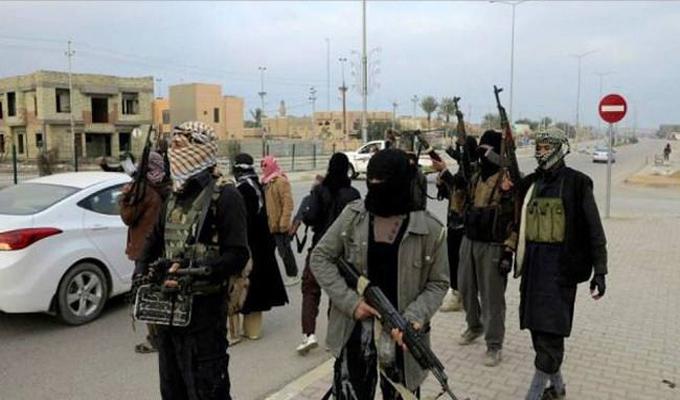 """""""داعش"""" تذبح ثلاثة أشقاء أمام المارة"""