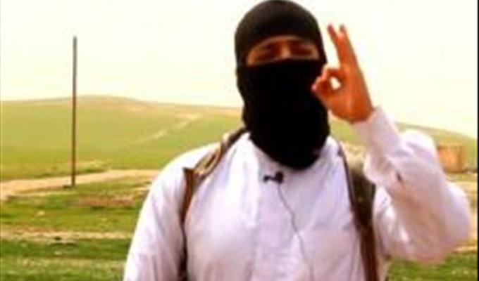 """""""داعشي"""" مغربي يقلد السفاح """"جون"""" في تن"""