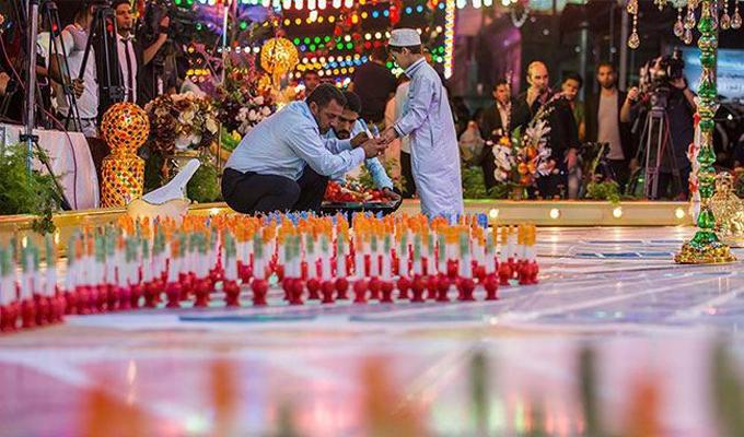 """اضاءة الشموع في كربلاء بمناسبة مولد الامام المهدي """"عجل """""""