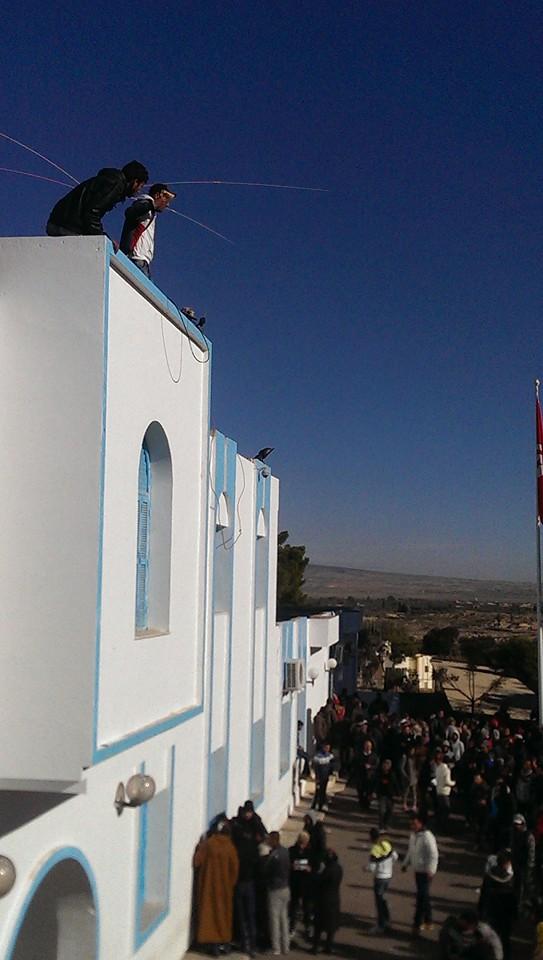 المصدر-تونس-القصرين-انتحار2