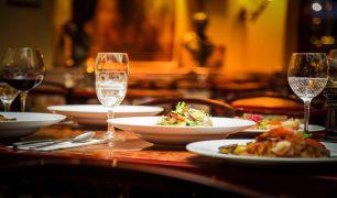 لأول مرة: احداث مطعم للعراة بلندن