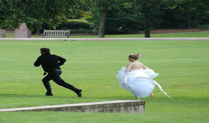 عريس يفقد ذاكرته ليلة زفافه و ينسى عروسه